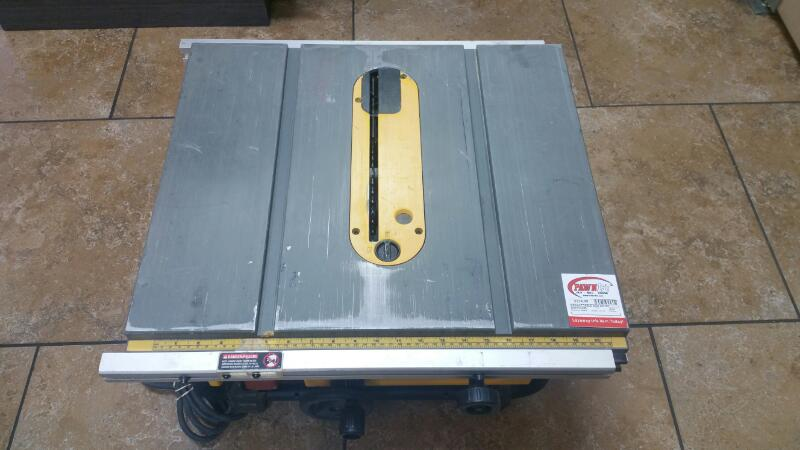 DEWALT Table Saw DW745