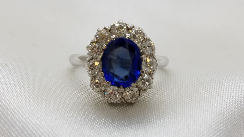 Lady's Tanzanite & Diamond Ring 11 Diamonds 1.10 Carat T.W.