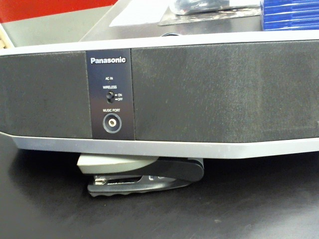 PANASONIC DVD Player SC-HT700 DVD HOME THEATER SYSTEM