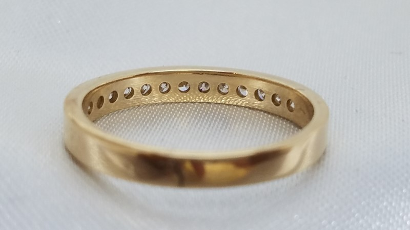 Lady's Diamond Wedding Band 13 Diamonds .26 Carat T.W. 14K Yellow Gold 1.6g