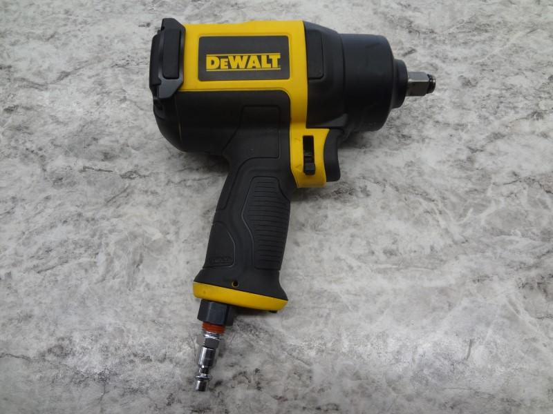 "DEWALT AIR IMPACT WRENCH 1/2"" DWMT70773L - LIKE NEW"