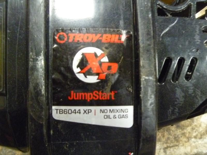 TROY-BILT TB6044 XP 32-CC 4-CYCLE 18-IN STRAIGHT SHAFT GAS STRING TRIMMER