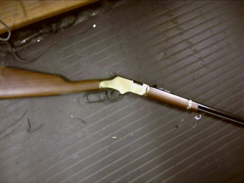 HENRY REPEATING ARMS Rifle H004 GOLDENBOY