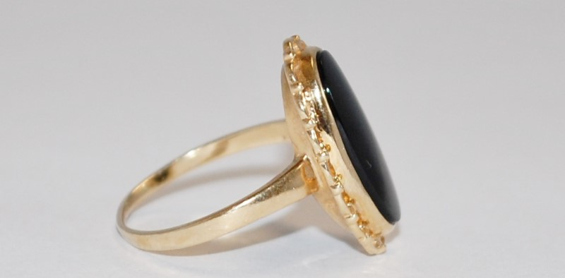 14K Women's Vintage Inspired Yellow Gold & Onyx Cocktail Ring Size 6.5