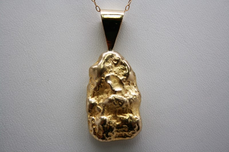 NUGGET STYLE PENDANT 18K YELLOW GOLD  22.8g