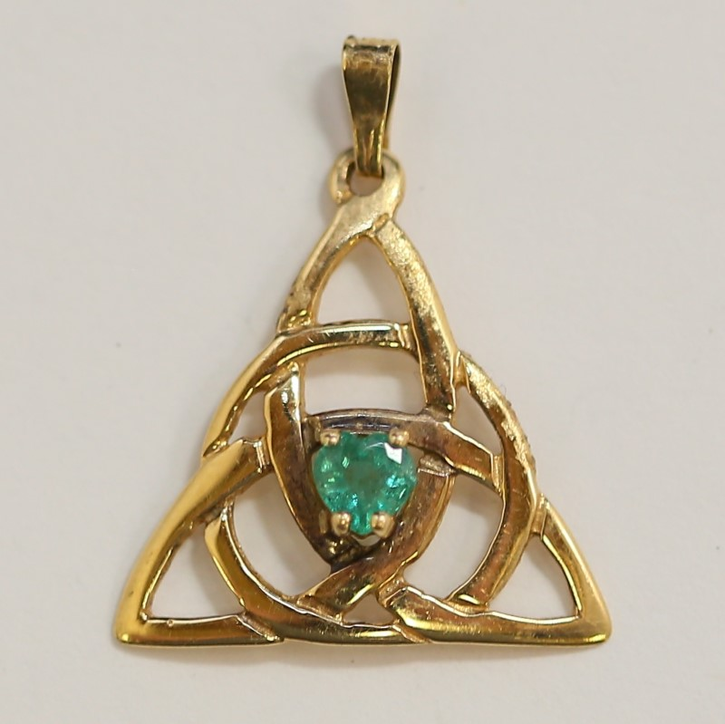 14K Yellow Gold Heart Cut Emerald Triquetra Trinity Pendant