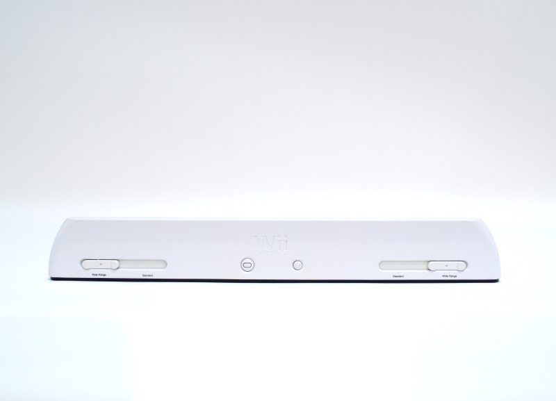 Nintendo Wii White Video Game Console RVL-101 System Bundle + Stand>