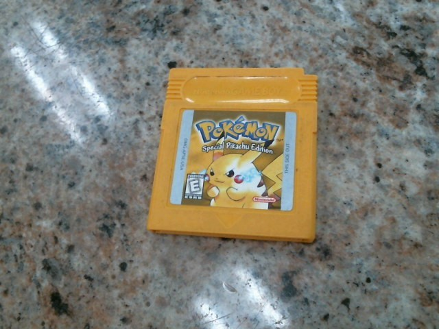 NINTENDO Vintage Game POKEMON YELLOW: SPECIAL PIKACHU EDITION
