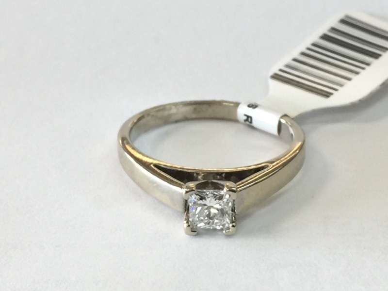 Lady's Diamond Engagement Ring .38 CT. 14K White Gold 2.2dwt Size:6.5