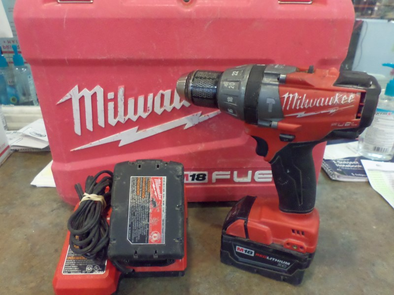 MILWAUKEE Cordless Drill 2604-20
