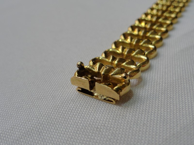 18KT Yellow Gold Fancy Link Bracelet 23 Grams 7.5""
