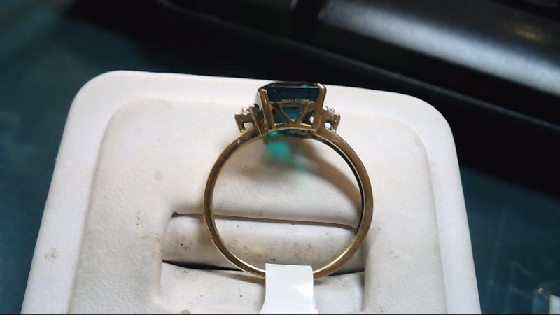 Green Stone Lady's Stone Ring 10K Yellow Gold 2g Size:7