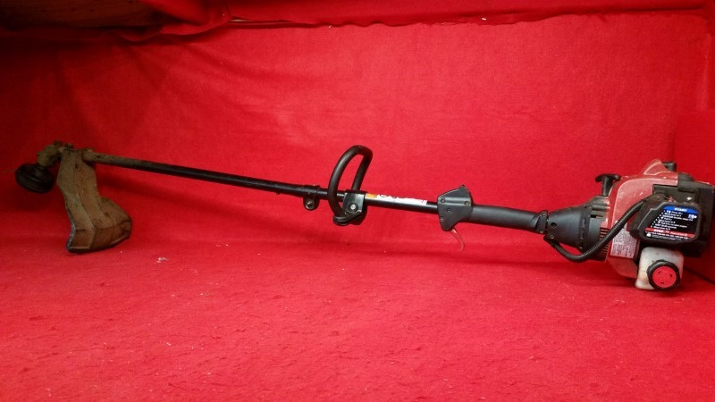 "Murray 16"" 25cc 2-Cycle Straight Shaft Gas String Trimmer"