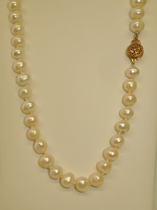 Pearl Stone Necklace 48.31g