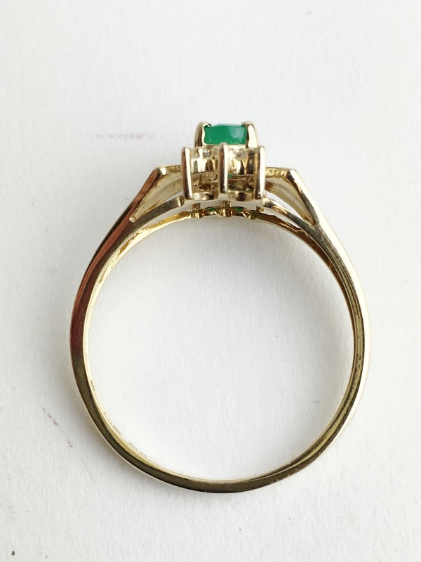 Emerald & Diamond Ring 6 Diamonds .06 Carat T.W. 14K Yellow Gold