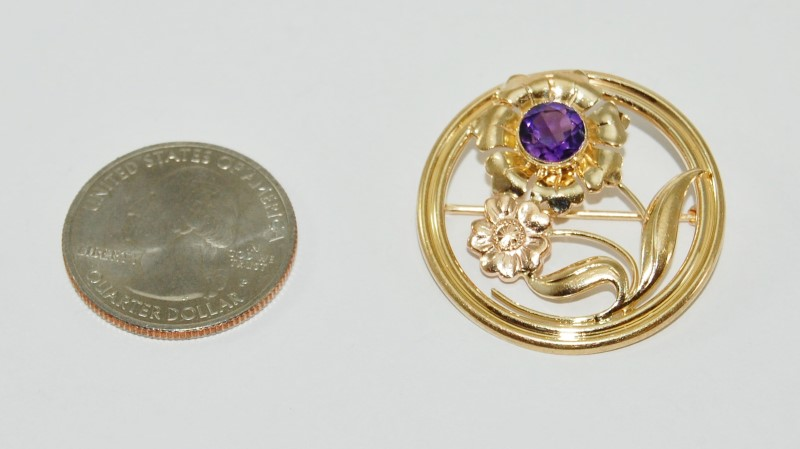 14K Yellow Gold Elegand Daisy & Amethyst Flower Circular Brooch