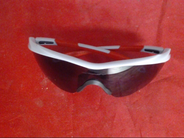 OAKLEY Sunglasses M2