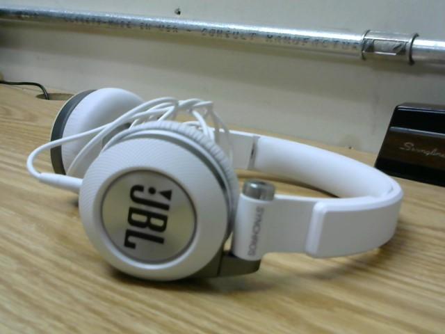 JBL Headphones SYNCHROS E30