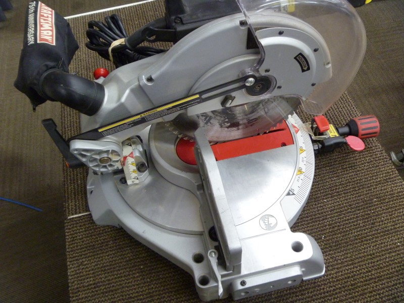 "CRAFTSMAN 137.242750 10"" COMPOUND MITER SAW WITH DUST COLLECTOR"