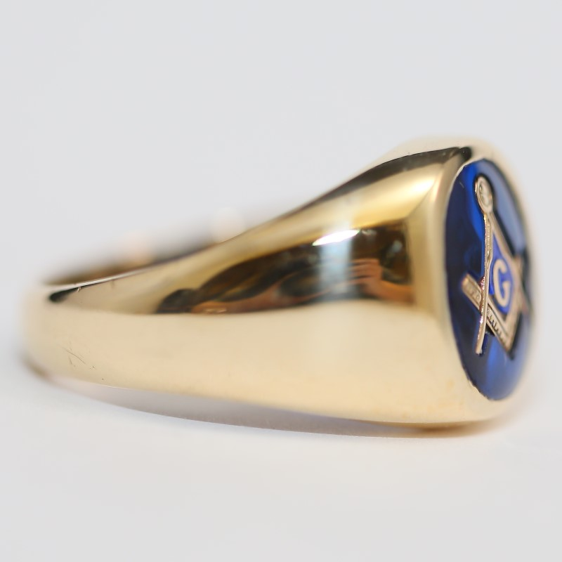 Blue Masonic 10K Yellow Gold Ring Size 9.5