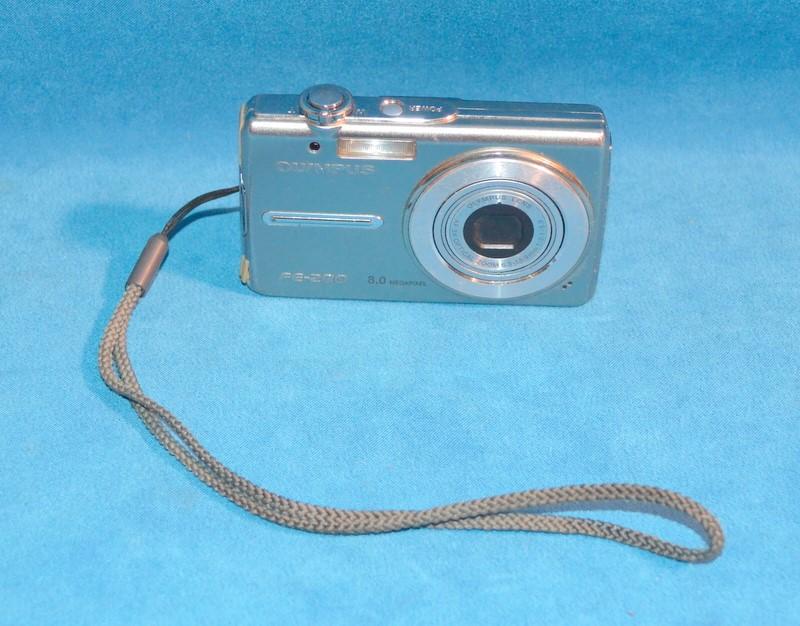 OLYMPUS Digital Camera FE-280
