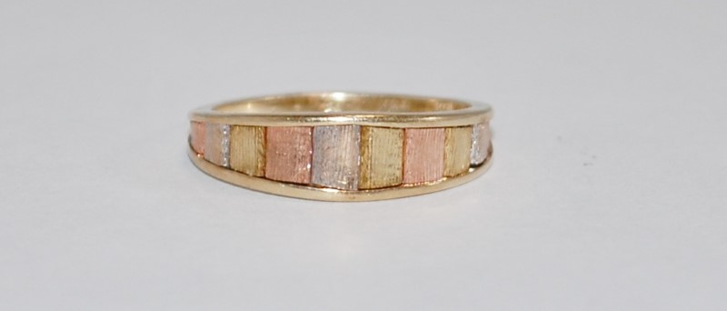 Lady's Gold Ring, 14K Tri-Colored Gold, Size (6)