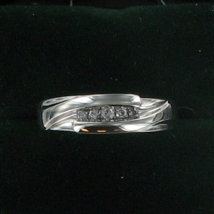 Gent's Gold-Diamond Wedding Band 5 Diamonds .10 Carat T.W. 10K White Gold