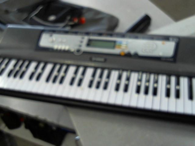 YAMAHA Keyboards/MIDI Equipment EZ-200