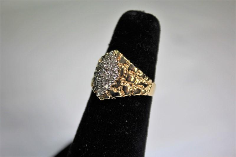 Lady's Diamond Fashion Ring 32 Diamonds .32 Carat T.W. 14K Yellow Gold 5.8g
