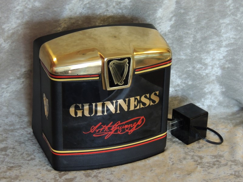 GUINESS BAR LIGHT