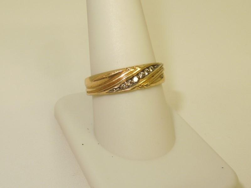 Gent's Gold-Diamond Wedding Band 6 Diamonds .06 Carat T.W. 14K Yellow Gold 4.8g