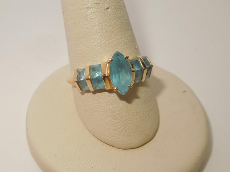 Synthetic Aquamarine Lady's Stone Ring 14K Yellow Gold 3g