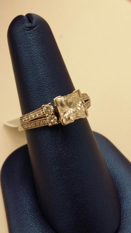 Lady's Diamond Wedding Set 29 Diamonds 2.20 Carat T.W. 14K White Gold 5.7g