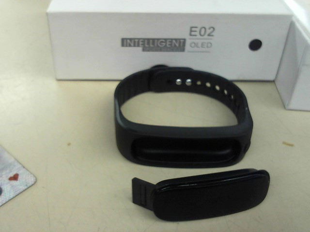 INTELLIGENT SPORTS BRACELET Men's Accessory E02
