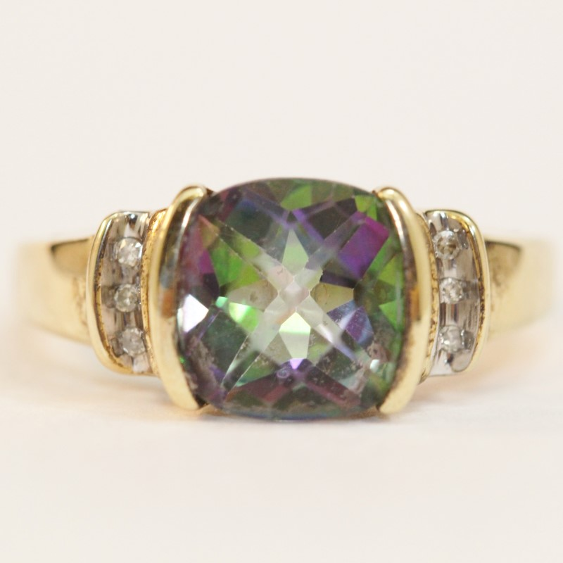 10K Yellow Gold Mystic Topaz Ring Size 7
