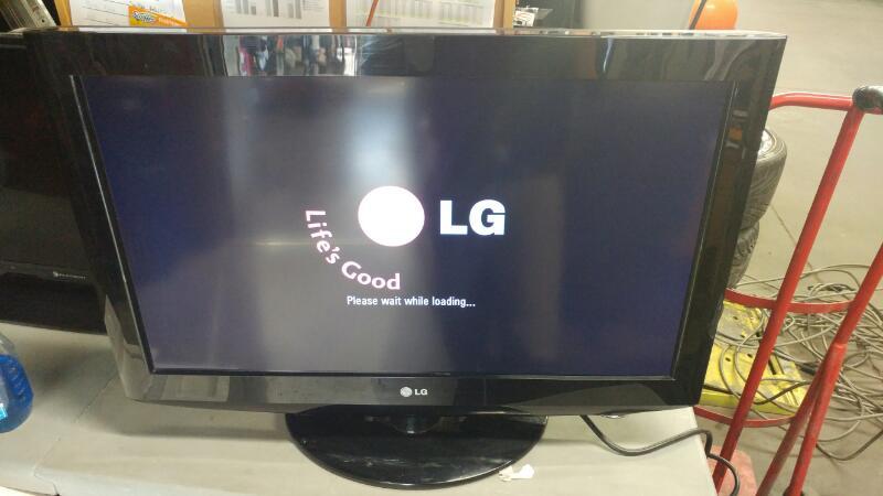 LG Flat Panel Television 32LH250H