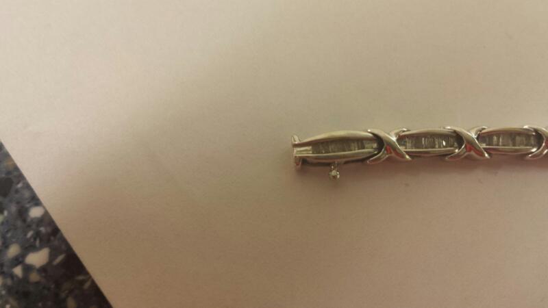 10K-W/G 119-Baguette Diamond Tennis Bracelet