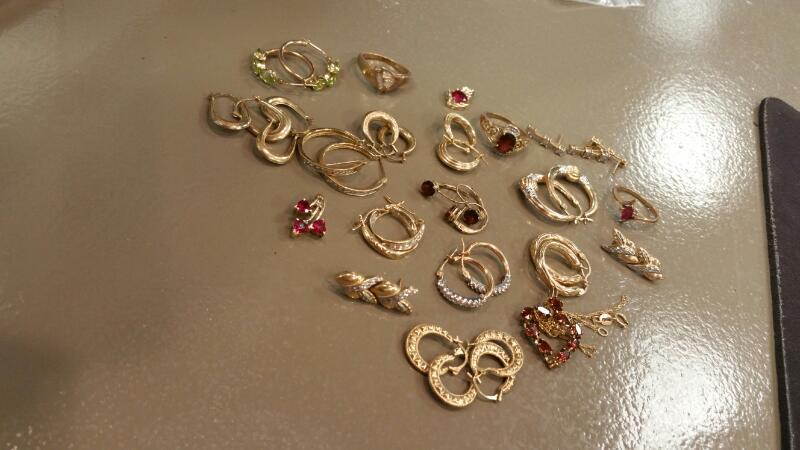 Gold Earrings 10K Yellow Gold 1dwt