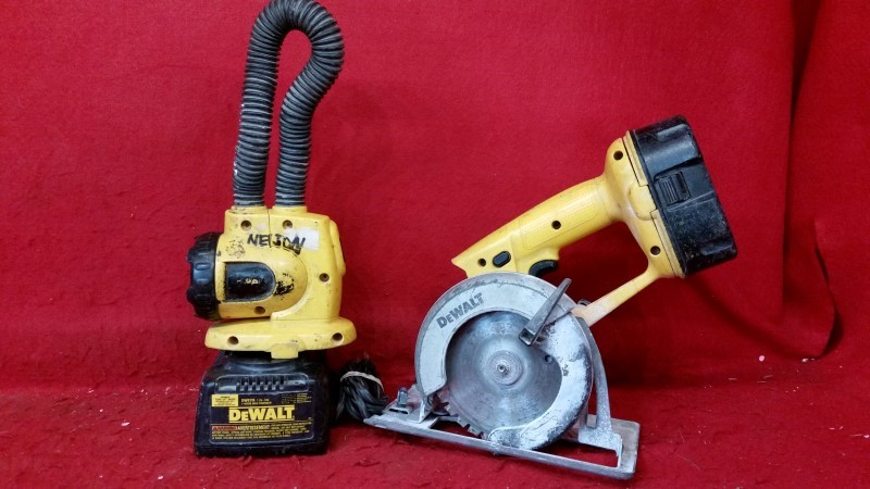 Dewalt 18v Circular Saw / Flashlight