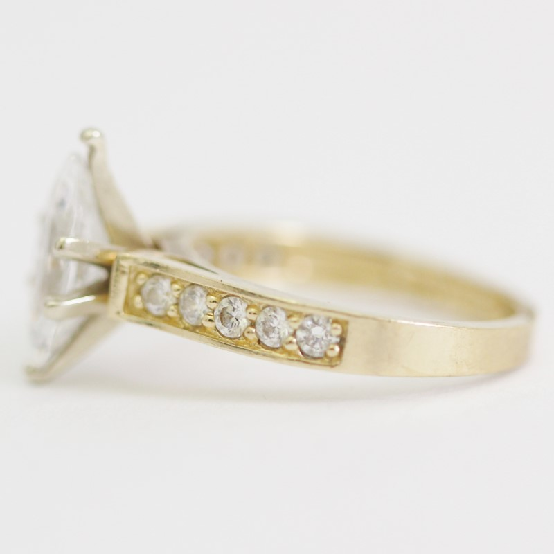14K Yellow Gold Marquise and Round Cut White Stone Ring Size 6