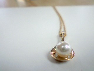 "18"" Synthetic Pearl Stone Necklace 14K Yellow Gold 2g"