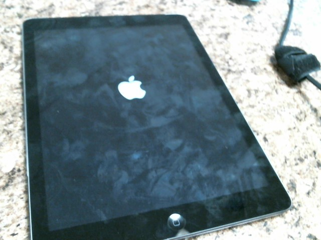 APPLE Tablet IPAD AIR MF003LL/A