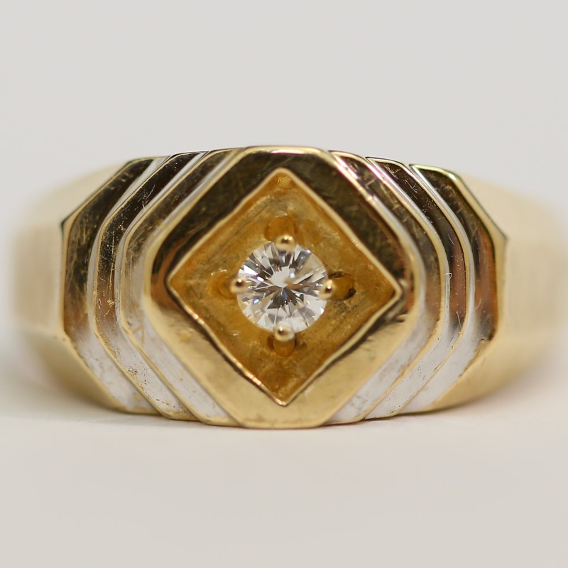 10K Yellow Gold Round Brilliant Cut Diamond Solitaire Ring Size 11.5