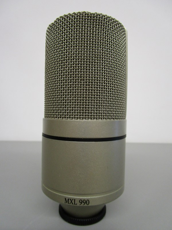 MXL 990 LARGE DIAPHRAGM CARDIOID CONDENSER MICROPHONE