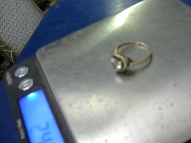 White Stone Lady's Stone Ring 10K Yellow Gold 2.56g