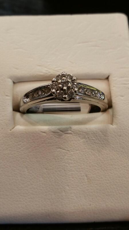 Lady's Diamond Cluster Ring 15 Diamonds .30 Carat T.W. 14K White Gold 2.3dwt