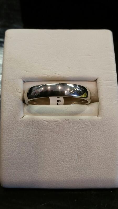 Gent's Gold Wedding Band 10K White Gold 2.3dwt