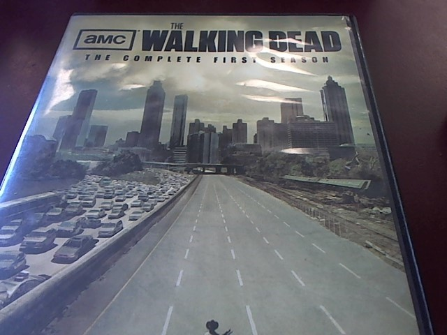 DVD BOX SET THE WALKING DEAD FIRST SEASON