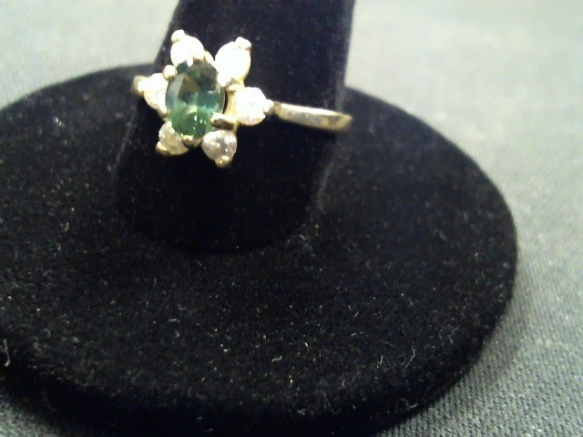 Synthetic Cubic Zirconia Lady's Ring 14K Yellow Gold 2.9g