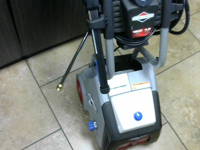 BRIGGS & STRATTON Pressure Washer 020601-00